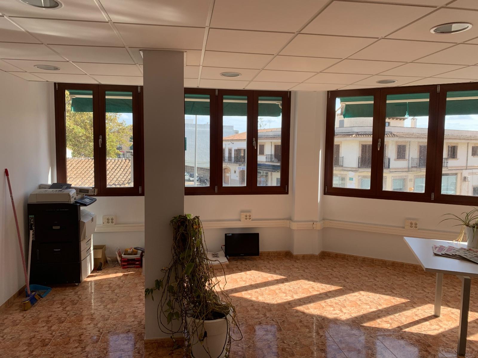 Büro / Office / Edificio 07620